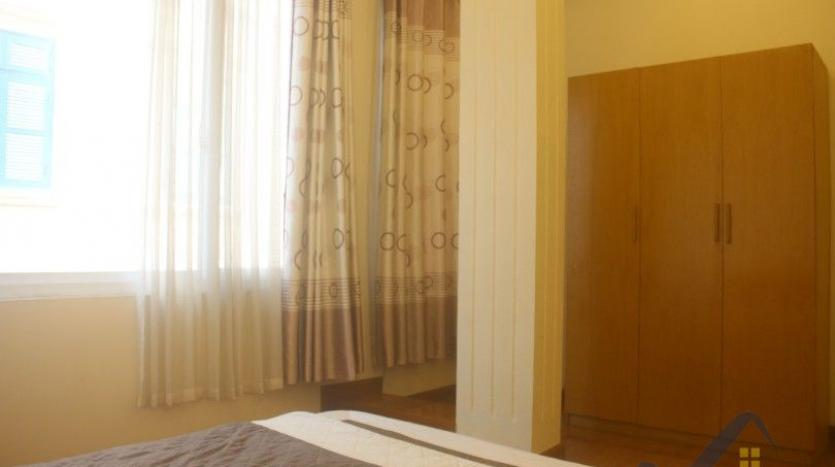 rent-2-beds-2-baths-apartment-in-truc-bach-hanoi-with-balcony-23