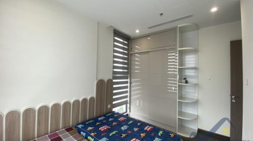 rent-3bed-apartment-in-vinhomes-riverside-symphony-furnished-12