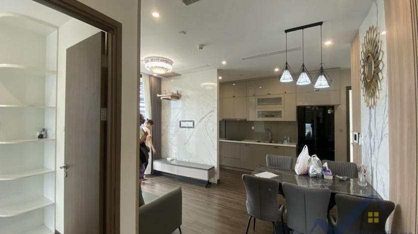 rent-3bed-apartment-in-vinhomes-riverside-symphony-furnished-2
