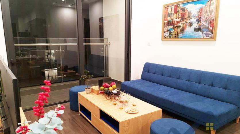 rent-apartment-in-vinhomes-symphony-long-bien-2br-1bath-1