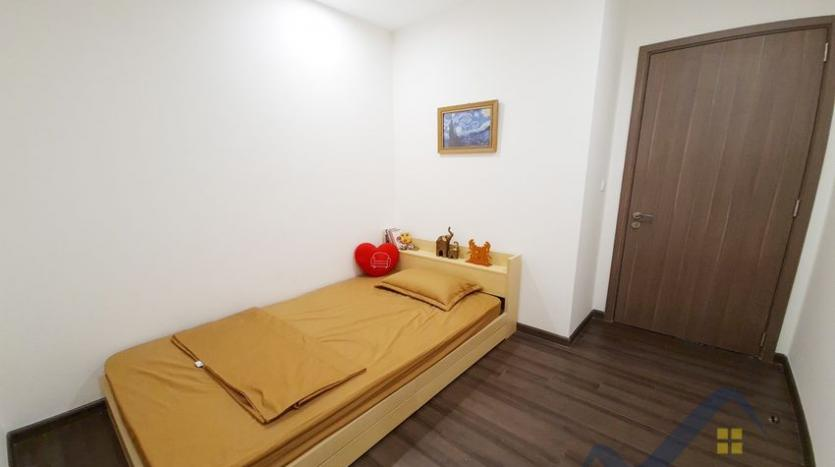 rent-apartment-in-vinhomes-symphony-long-bien-2br-1bath-10