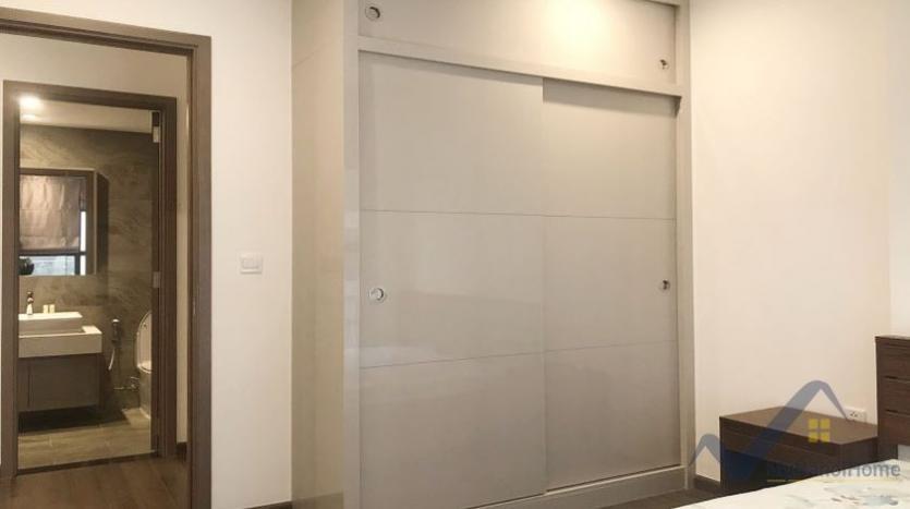 rent-apartment-symphony-hanoi-2bed-1bath-furnished-6