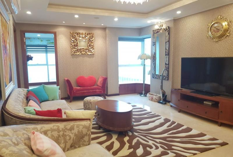 Rent Ciputra apartment in Hanoi with 3 bedrooms and furnished
