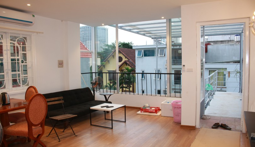 Rent furnished 1 bedroom apartment on Dang Thai Mai Tay Ho