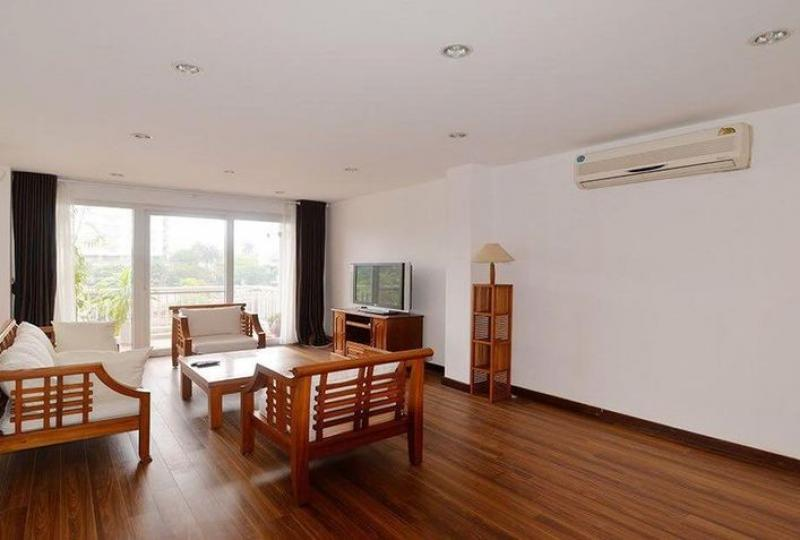 Rent furnished 3 bedroom apartment in Truc Bach with lake view