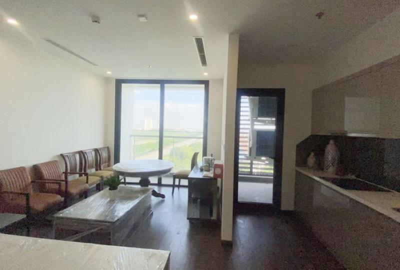 Rent furnished 3bed 2bath apartment in Vinhomes Symphony