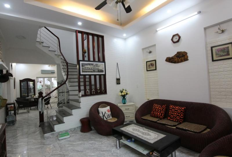 Rent furnished house Long Bien Hanoi 2 bedrooms with big garden