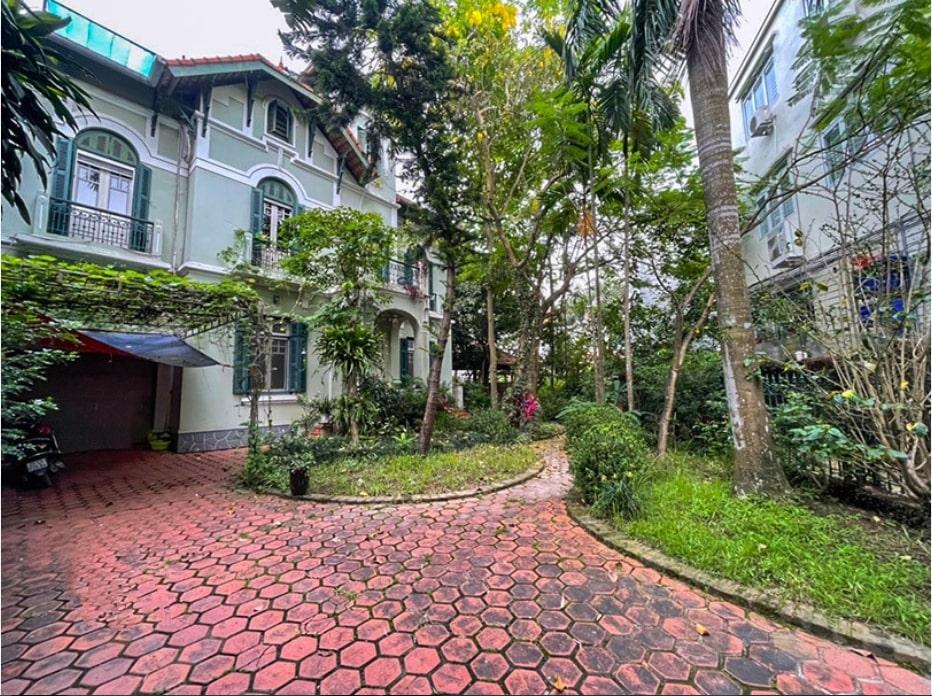 Rent House Long Bien Hanoi on Ngoc Thuy street 4 bedrooms