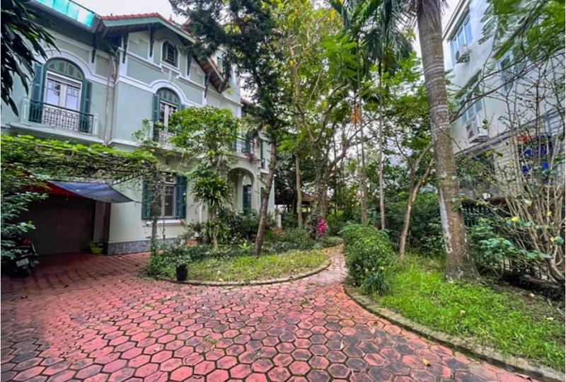Rent House Long Bien Hanoi on Ngoc Thuy street 4 bedrooms