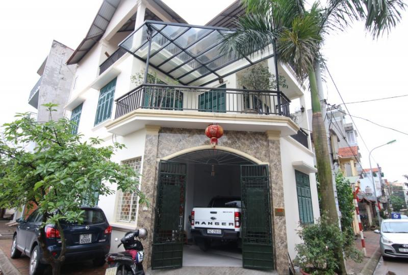 Rent house Long Bien on Ngoc Thuy street close LFAY