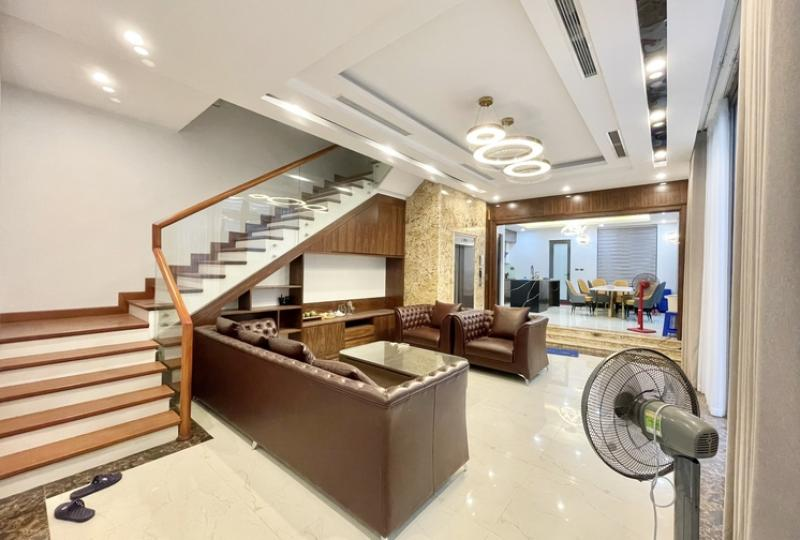 Rent luxury villa in Vinhomes Harmony Hanoi with 5 bedrooms