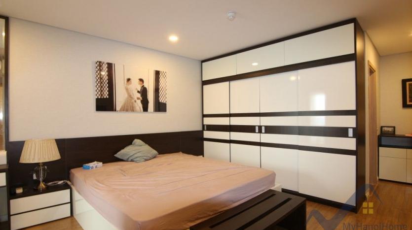 rent-mipec-riverside-2-bedroom-apartment-offers-furnished-17