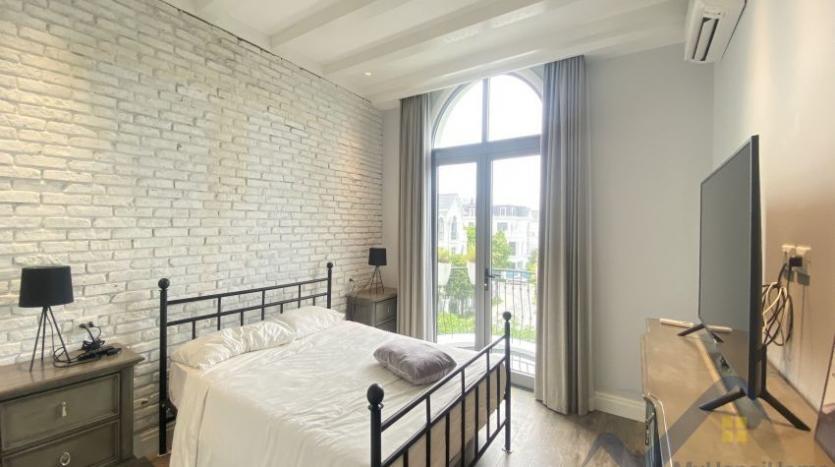 rent-villa-in-vinhome-harmony-furnished-close-vinschool-16