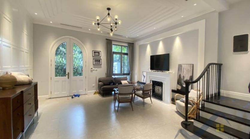 rent-villa-in-vinhome-harmony-furnished-close-vinschool-3