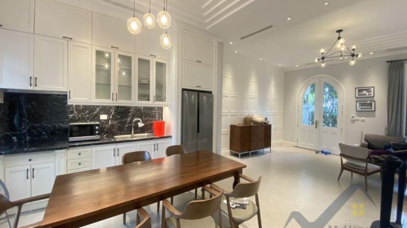 rent-villa-in-vinhome-harmony-furnished-close-vinschool-4
