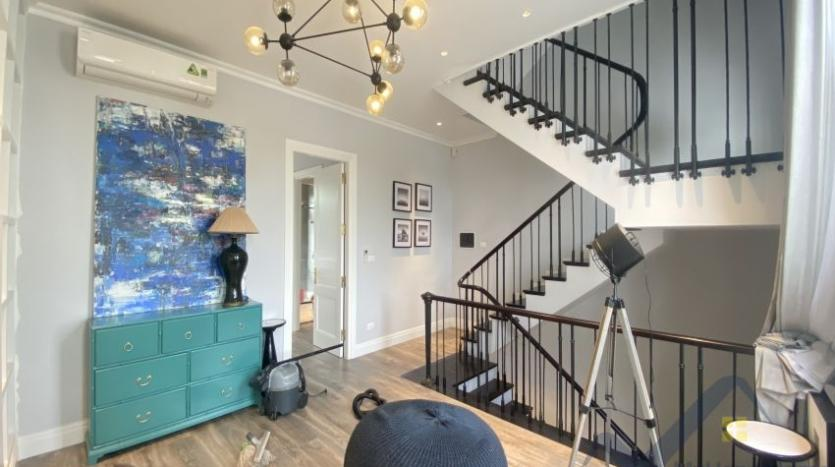 rent-villa-in-vinhome-harmony-furnished-close-vinschool-8