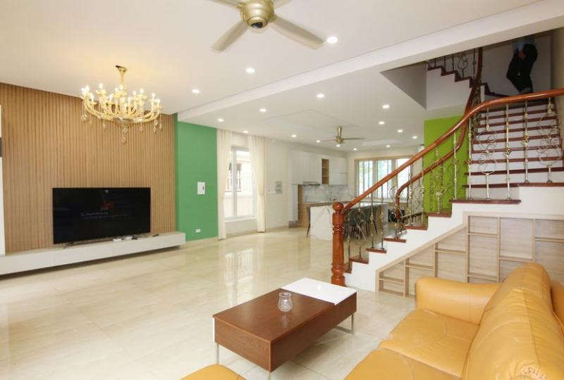 Rent villa Vinhomes Riverside Hanoi furnished 4 bedrooms