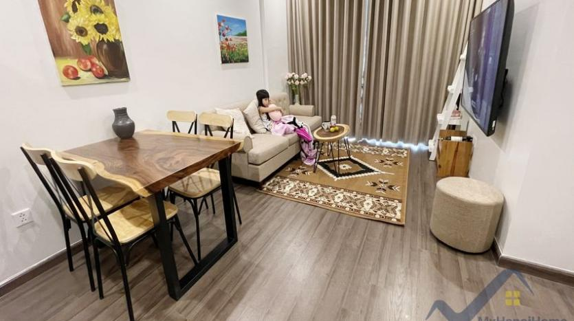 rent-vinhomes-symphony-apartment-with-2-bedrooms-2-bathrooms-1