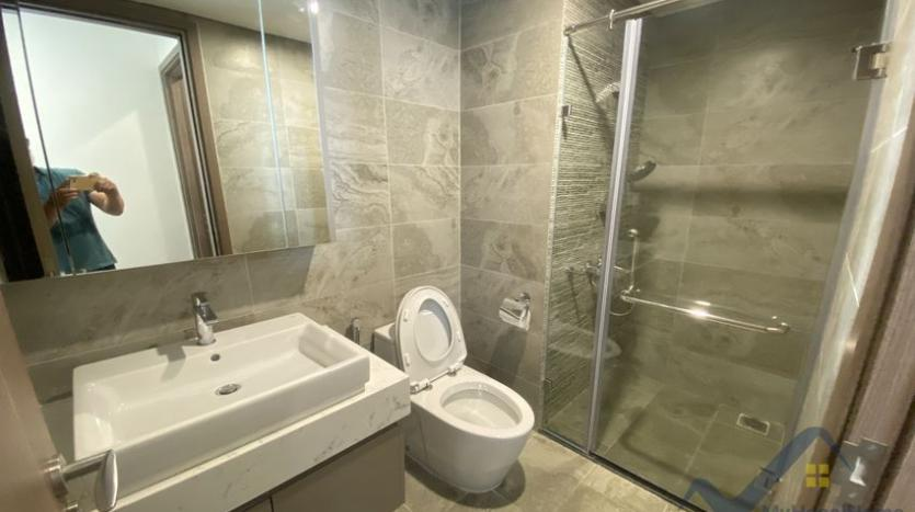 rent-vinhomes-symphony-apartment-with-2-bedrooms-2-bathrooms-12