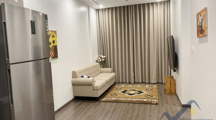 rent-vinhomes-symphony-apartment-with-2-bedrooms-2-bathrooms-3