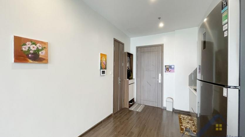 rent-vinhomes-symphony-apartment-with-2-bedrooms-2-bathrooms-4