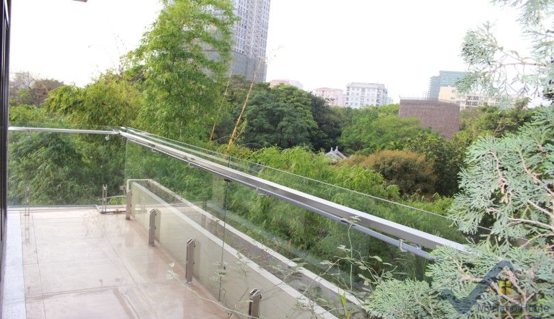 Rental house in Cau Giay district with 4 bedrooms, near Lotte tower