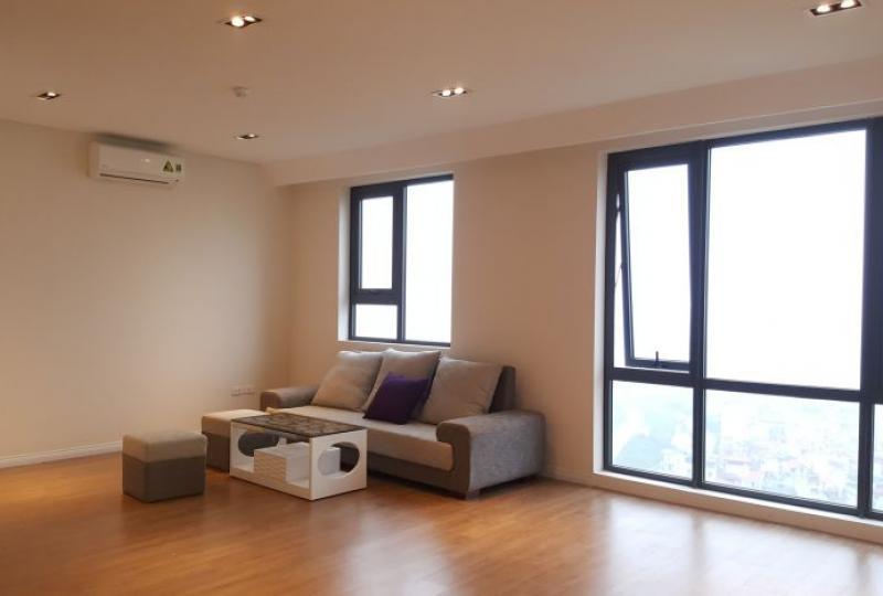 River view 1 bedroom apartment in Mipec Riverside to rent