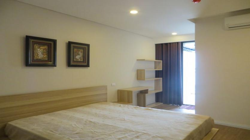 river-view-furnished-2-bedroom-apartment-for-rent-in-mipec-riverside-10