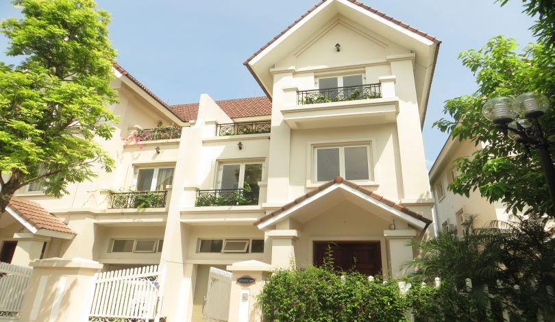 Riverside unfurnished villa for rent in Vinhomes Riverside, Long Bien