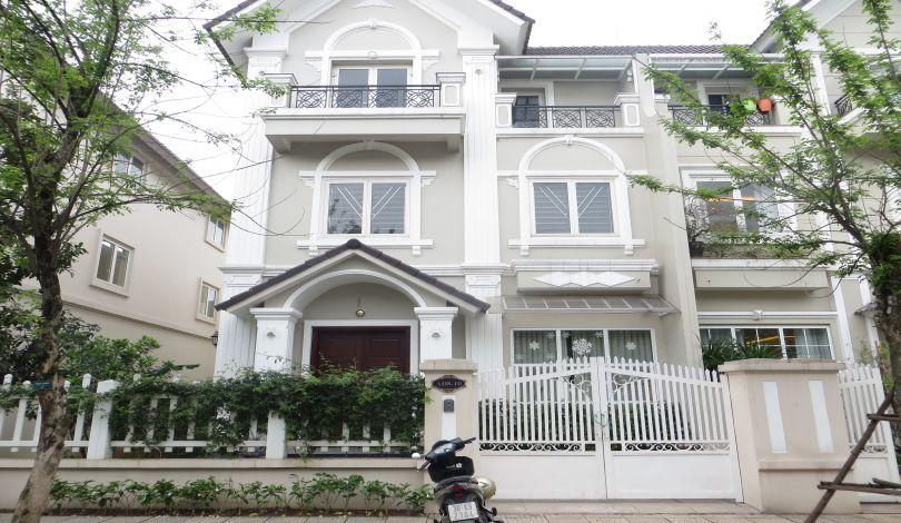Semi-detached villa to rent in Vinhomes Riverside, 04BRs, furnished
