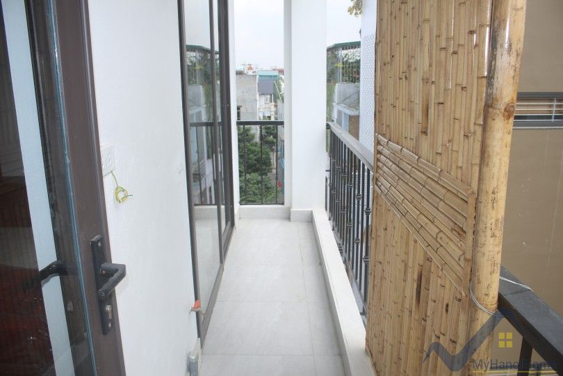 Serviced 1 bedroom apartment for rent in Ngoc Thuy Long Bien