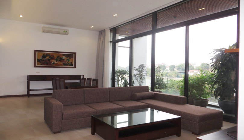 Serviced apartment in Tay Ho to rent with 2 bedrooms, lakeview