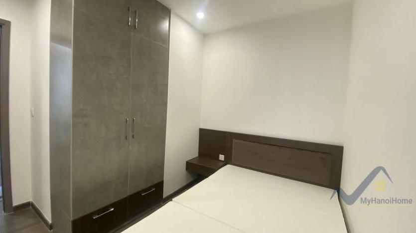 spacious-2bed-1bath-apartment-for-rent-in-vinhomes-symphony-11
