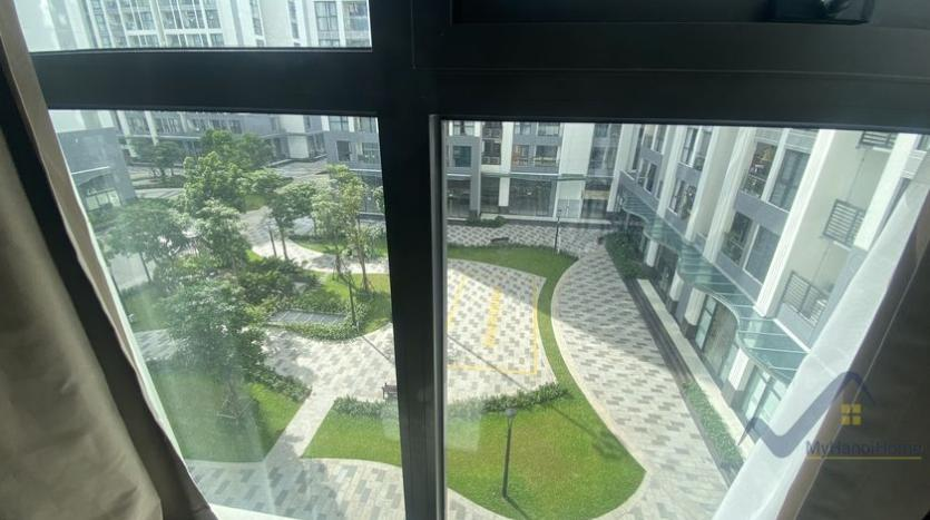 spacious-2bed-1bath-apartment-for-rent-in-vinhomes-symphony-14