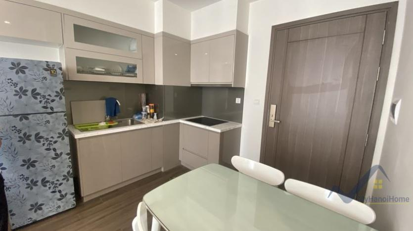 spacious-2bed-1bath-apartment-for-rent-in-vinhomes-symphony-5
