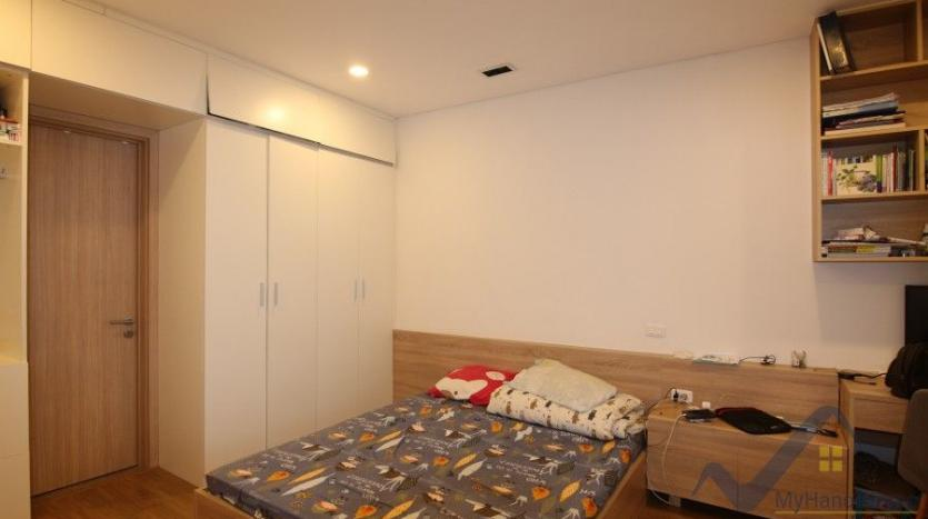 spacious-furnished-2-bedroom-apartment-in-mipec-long-bien-tower-26
