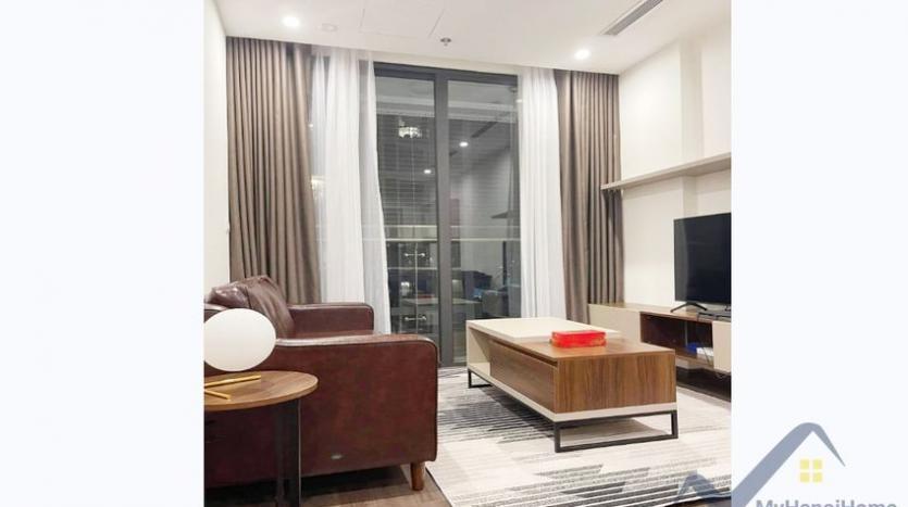 spacious-studio-for-rent-symphony-vinhomes-long-bien-furnished-7