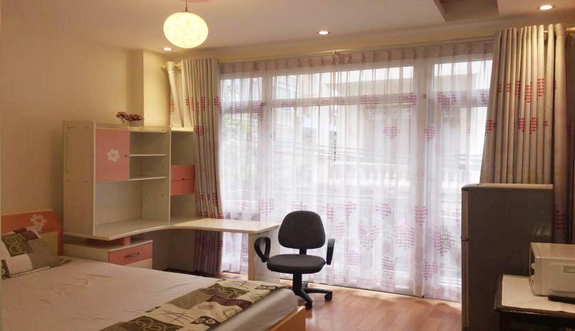 Studio apartment for rent on Xuan Dieu street, elevator room access