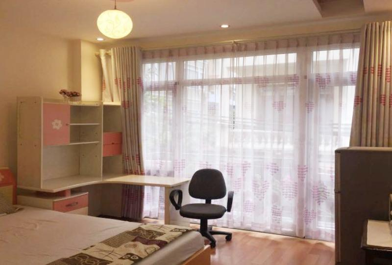 Studio apartment for rent on Xuan Dieu street, elevator room access