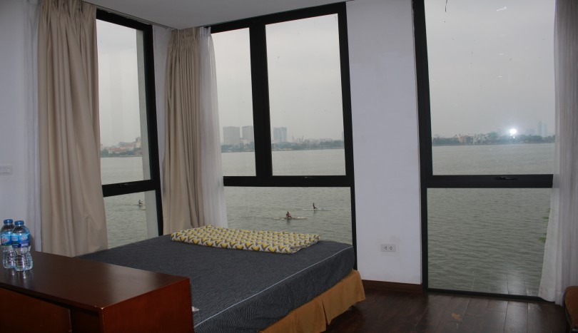 Studio apartment to rent in Tay Ho Hanoi with lake view
