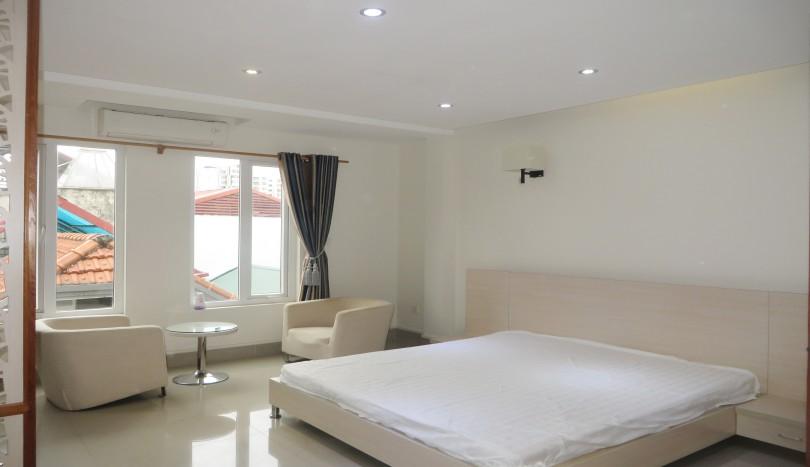 Studio for rent in Cau Giay, near Big C Thang Long