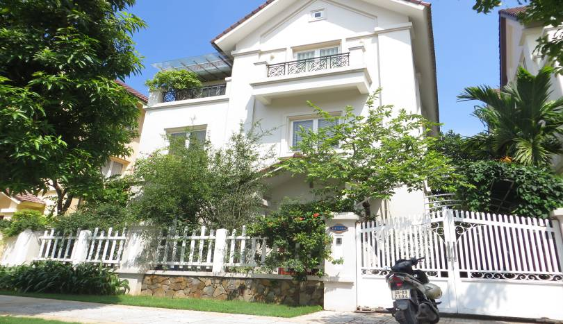 Stunning detached villa in Vinhomes Long Bien to rent, 1500$
