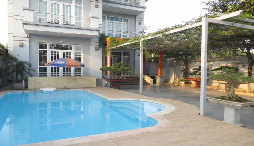 Swimming pool villa to rent in Long Bien, 6 bedrooms