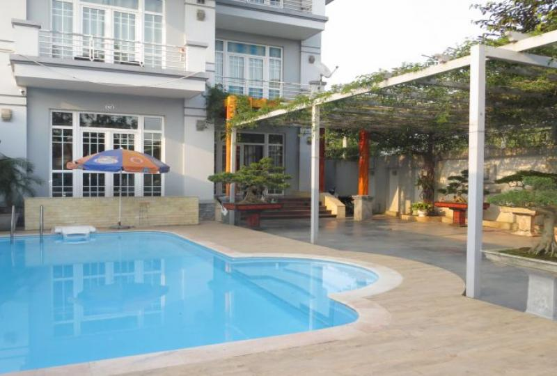 Swimming pool villa to rent in Long Bien, 6 bedrooms