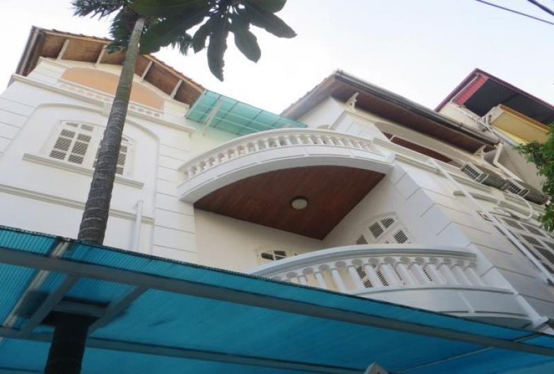 Tay Ho 4 bedroom house for rent with 4 bathrooms, furnished