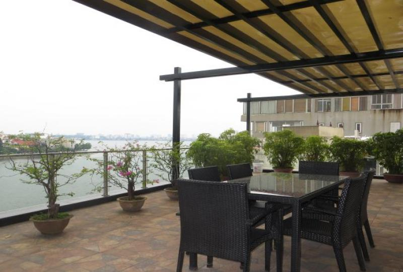 Tay Ho apartment 3 bedrooms for rent, lake view, Xuan Dieu