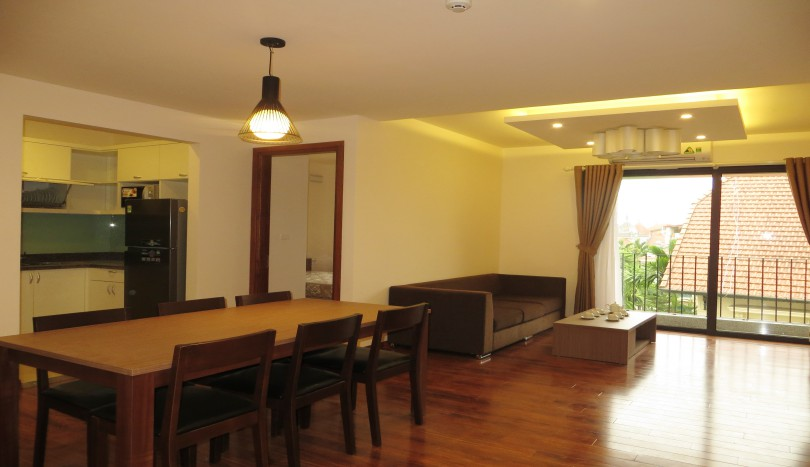 Tay Ho apartment with 2 bedrooms on To Ngoc Van street