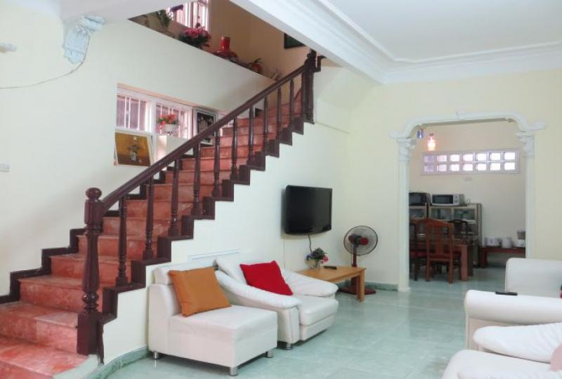 Tay Ho house in Nghi Tam village rent with 5 bedrooms
