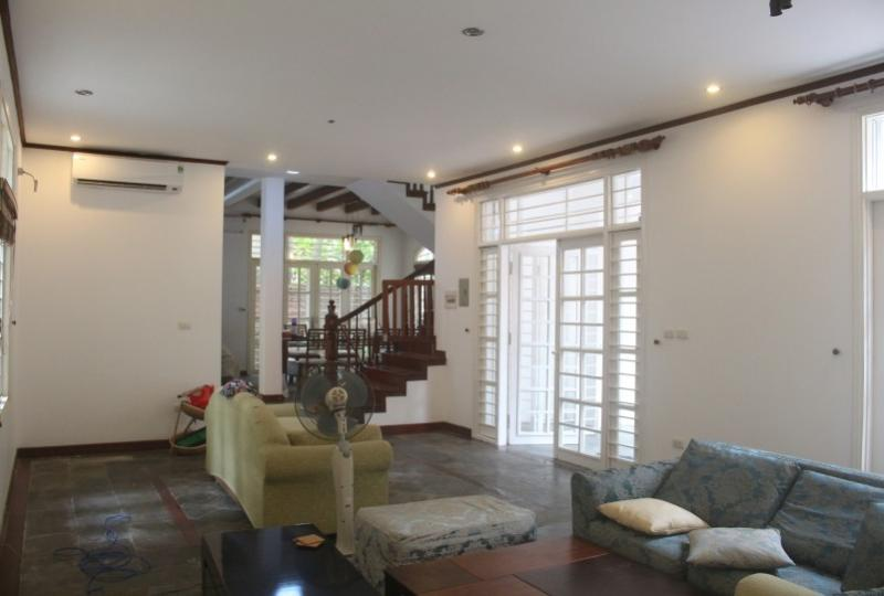 Terraced house in Tay Ho Hanoi for lease with 4 bedrooms