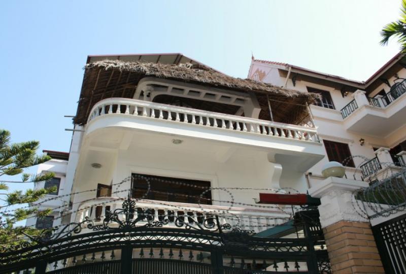 Terraced house on To Ngoc Van street for rent five bedrooms